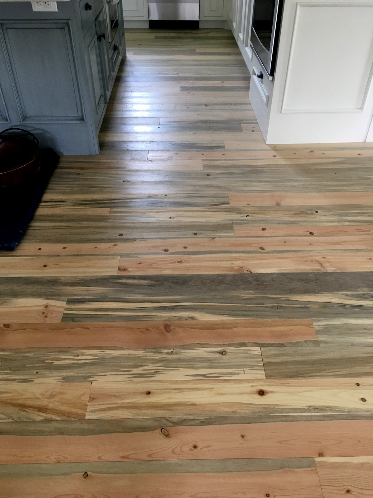 Blue Stain Pine Flooring Beetle Kill Pine Flooring For Sale