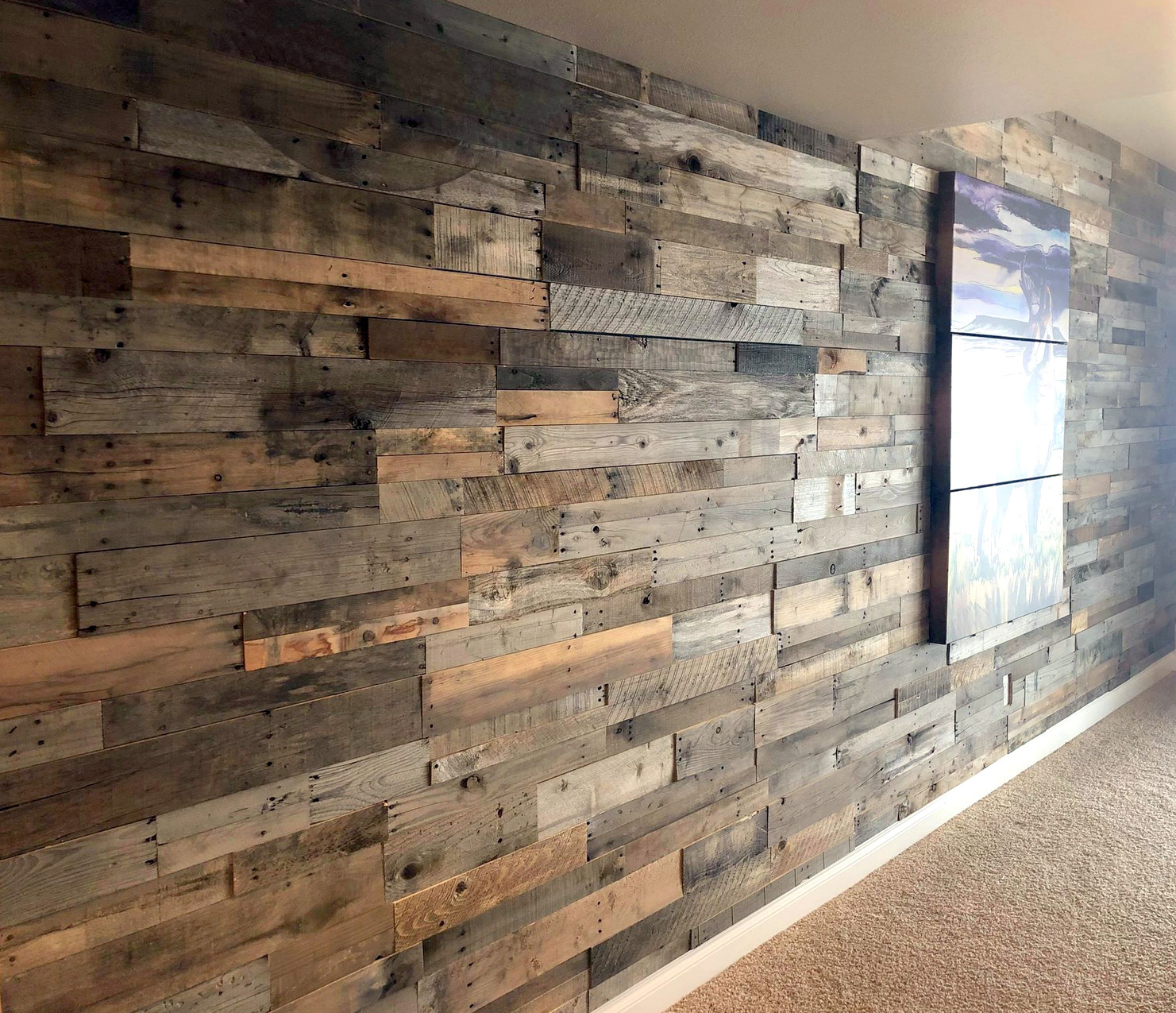 Pine Accent Wall: Reclaimed Pallet Wood Paneling